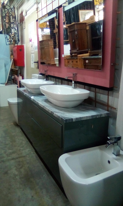 Mobile bagno con sanitari dituttodipi il tuo mercatino for Mobile bagno usato